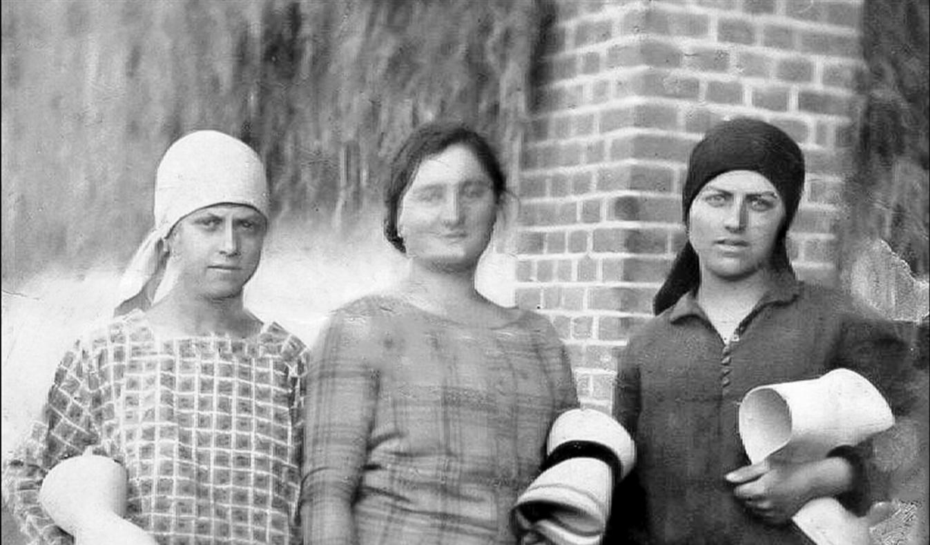Tre ragazze del '26