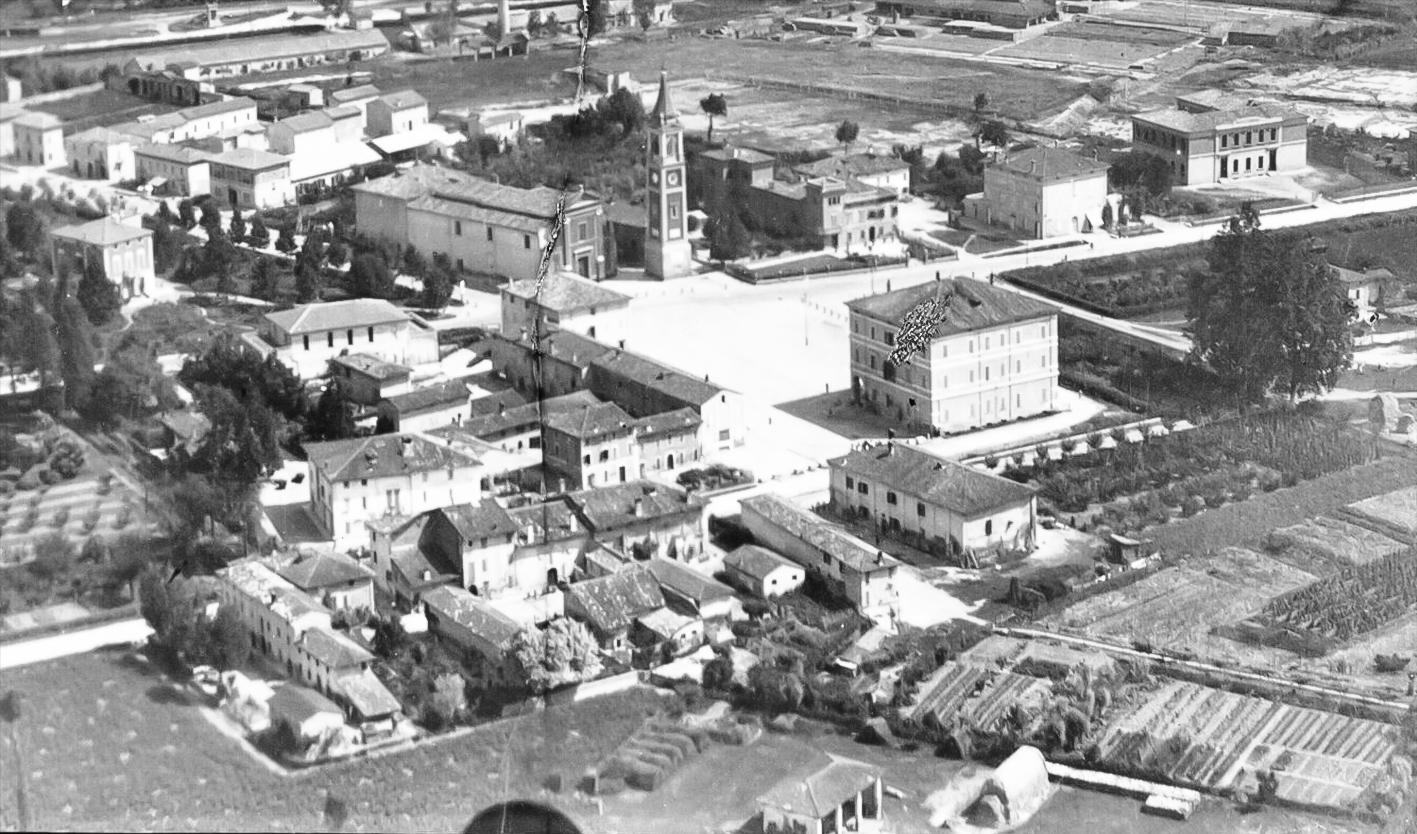 1929 sorvolando la piazza