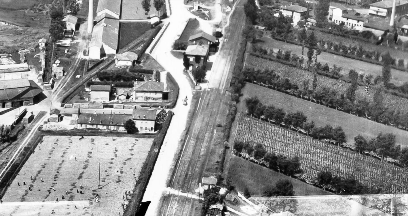 1929 sorvolando la stazione