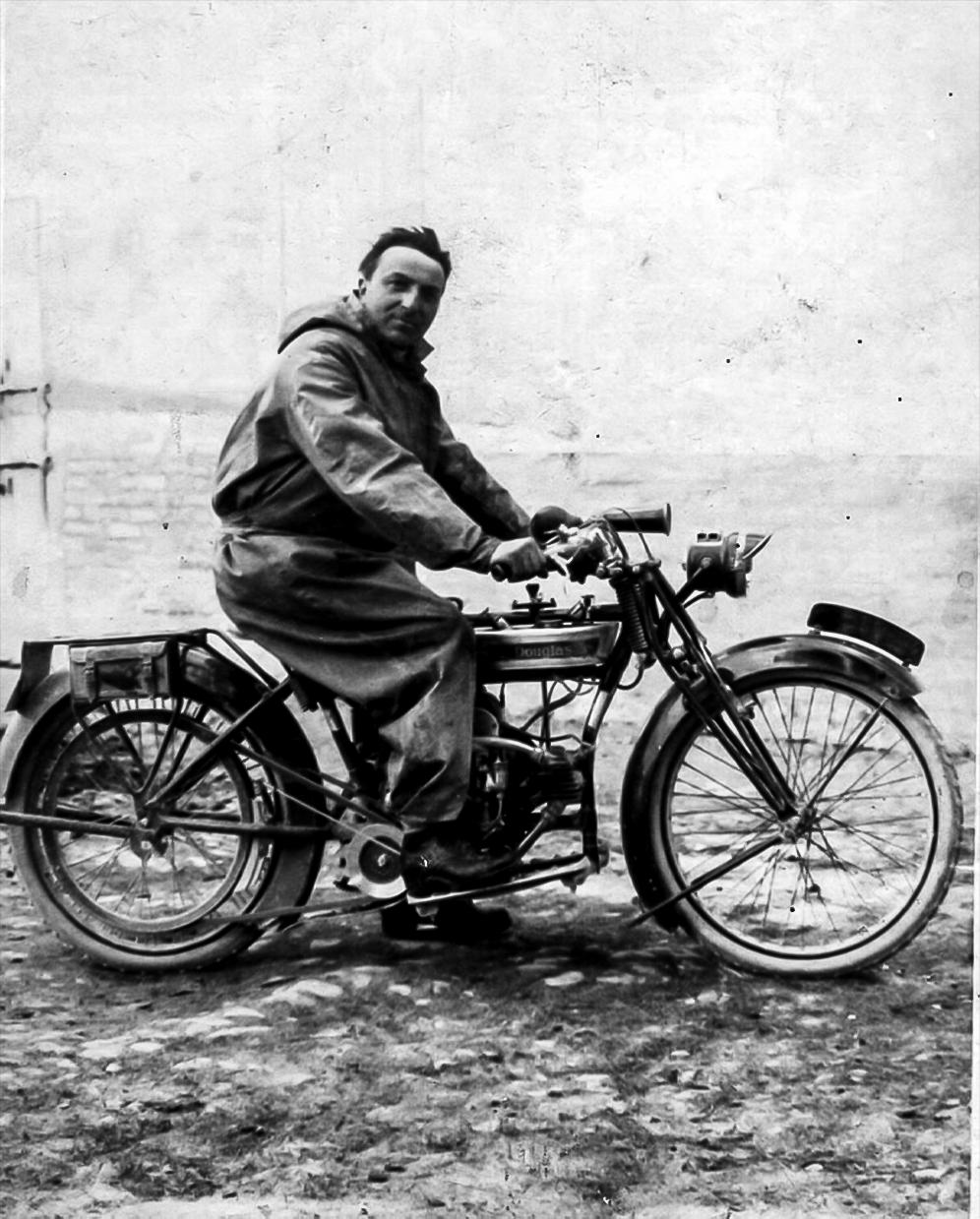 Don Augusto Ferrari motociclista