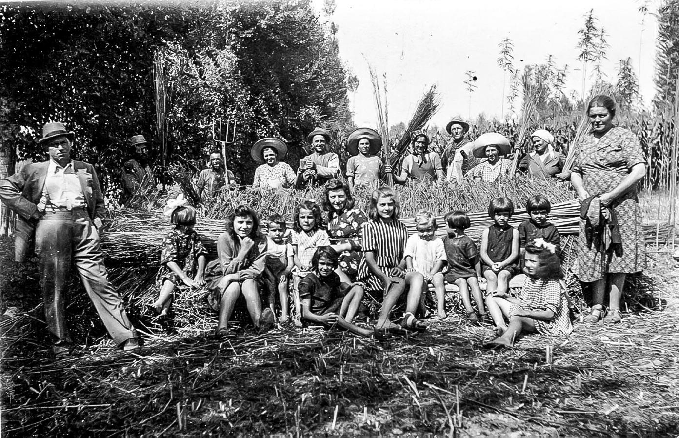 1940 giorno di festa…. e si lavora