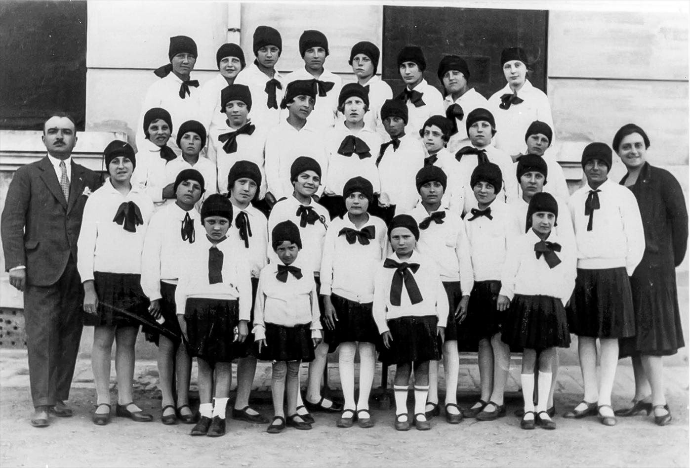 1928 Giovani Italiane a scuola