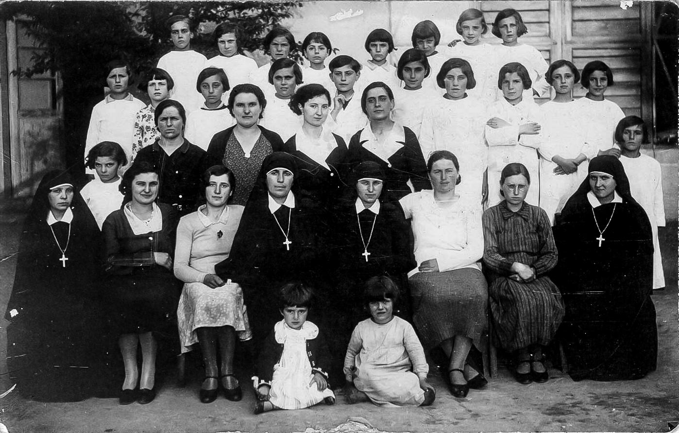 Scuola materna di cucito San Carlo