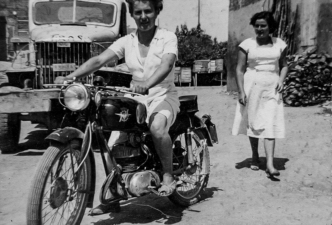 1952 donne in moto