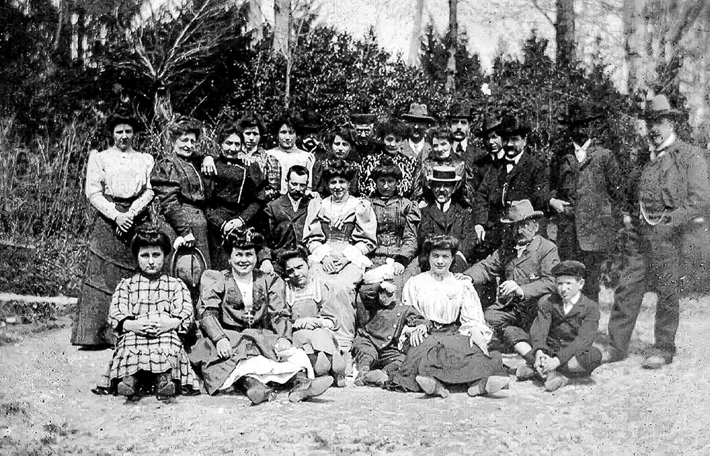 1910 santagostinesi nel bosco
