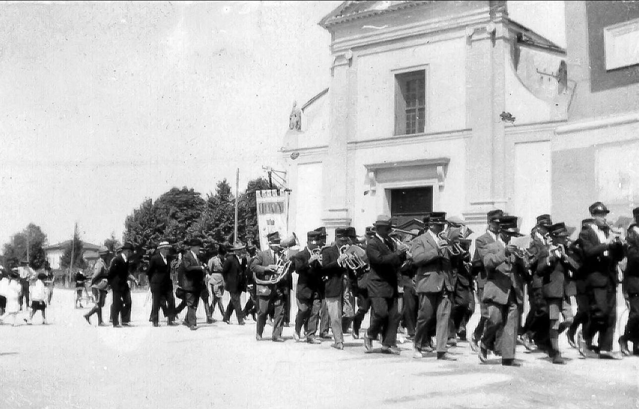 1920 Banda in sfilata