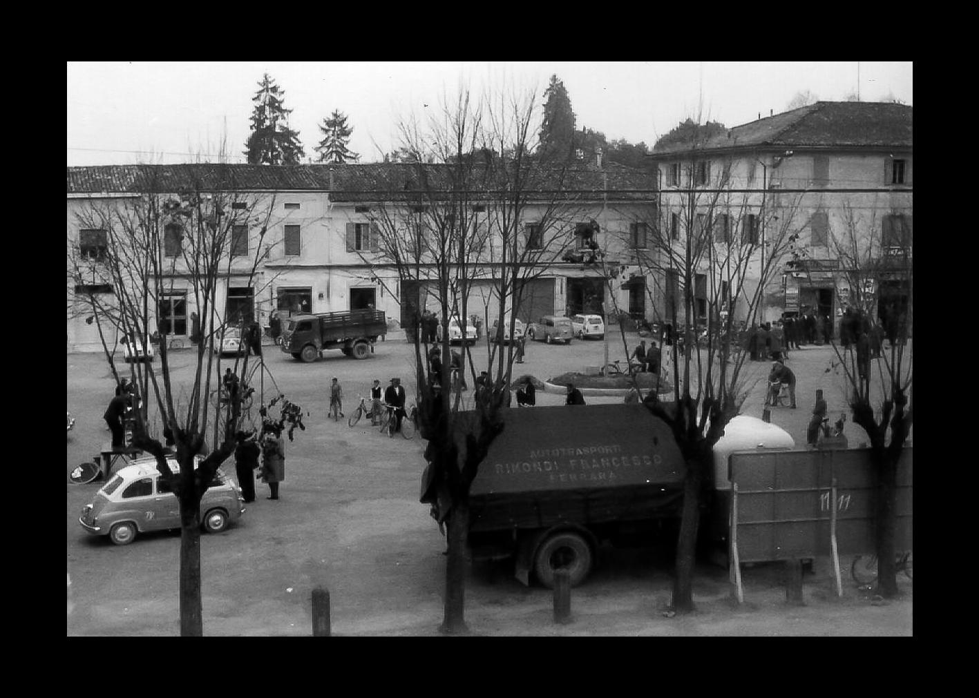 Comizio in Piazza Marconi anni '50