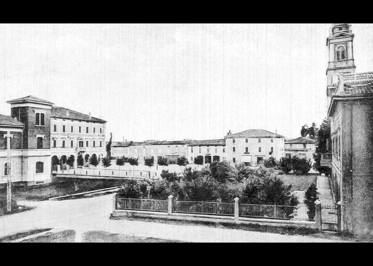 Piazza Marconi Vista Dalla Scuola