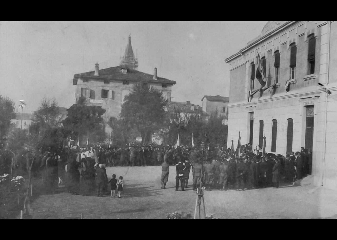 Manifestazione di regime
