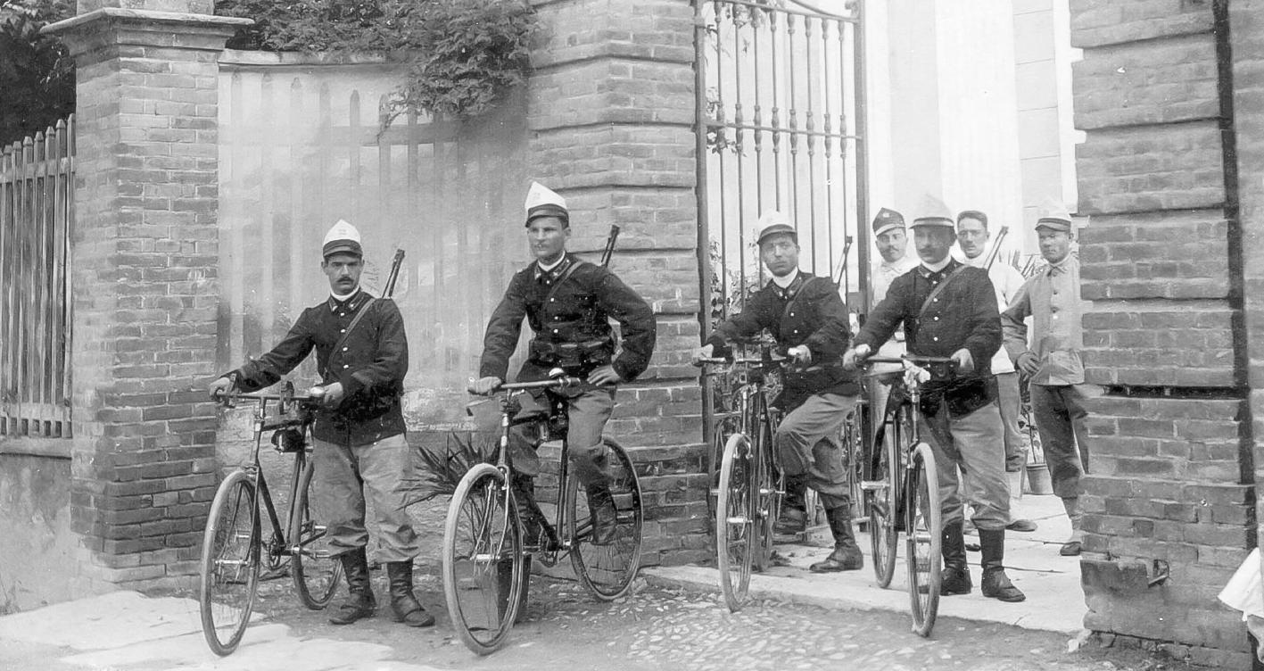Ciclisti militari di leva